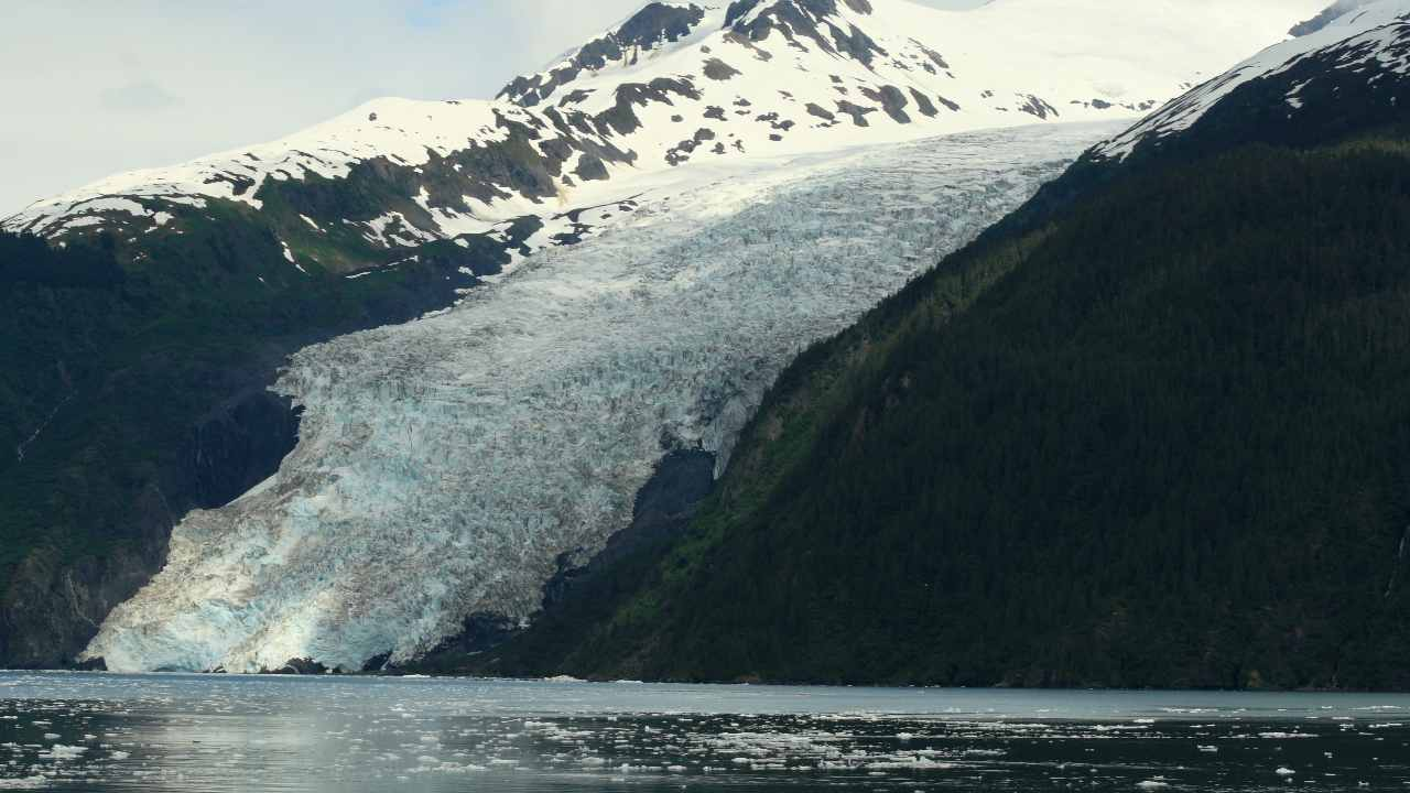 Landslide in Alaska could lead to 'mega-tsunami' within a year, warn scientists