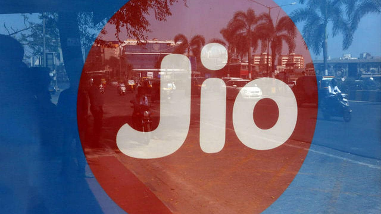 Jio Platforms and Qualcomm successfully test 5G solutions in India, achieve over 1 Gbps speed
